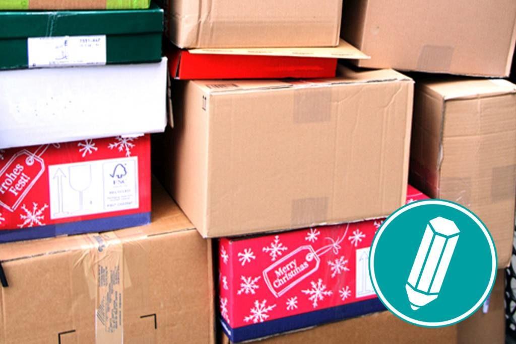 Viele übereinander gestapelte Pakete.