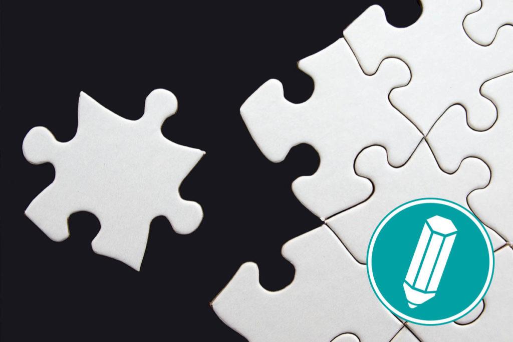 Ein Puzzleteil wird mit einem Puzzle verbunden.